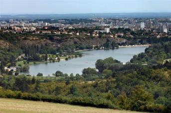 Vue-sur-lac-Kir-depuis-plateau-de-la-Cras_image_image_galleryview